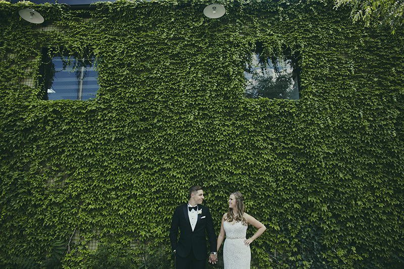 green building wedding photos