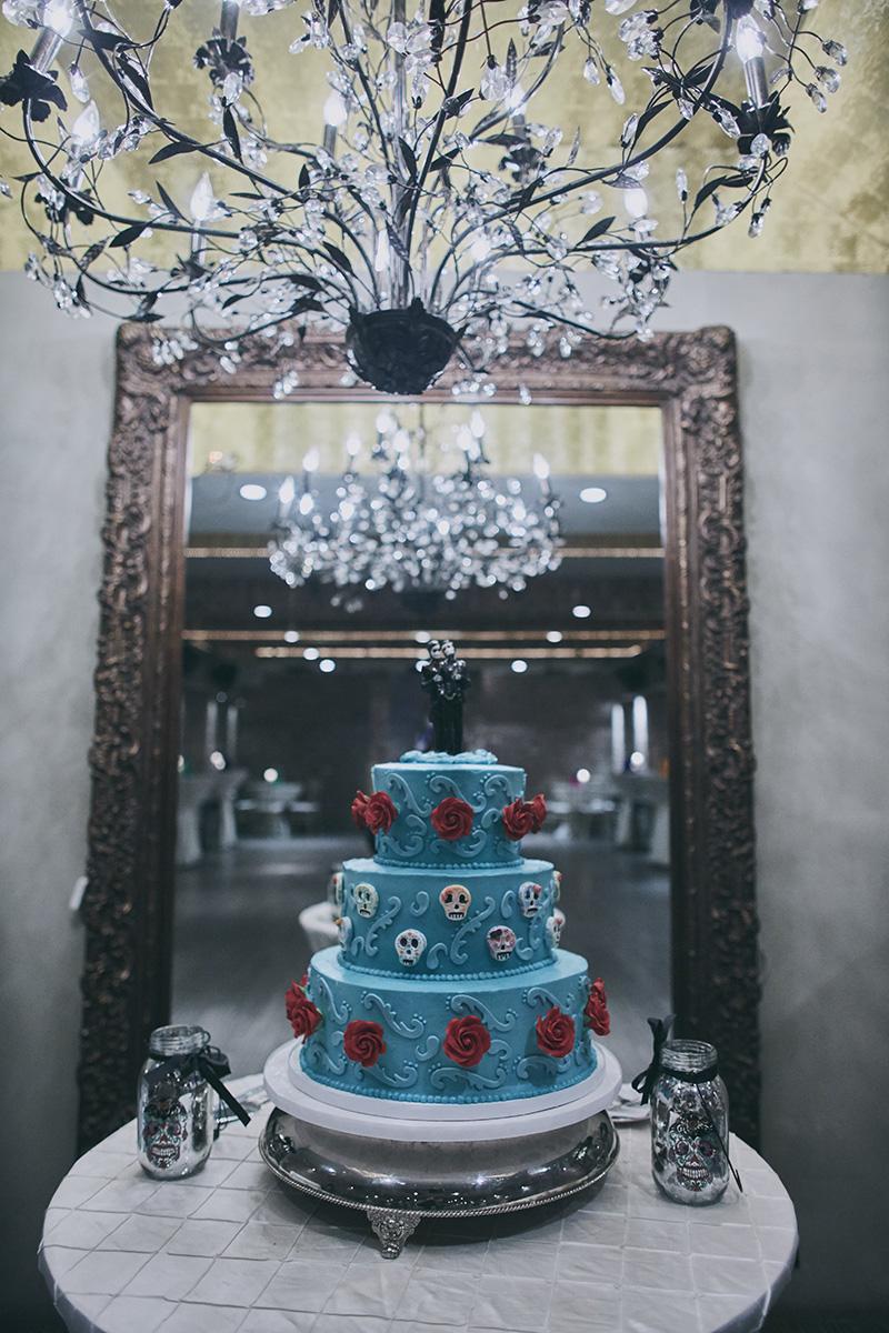 skulls wedding cake