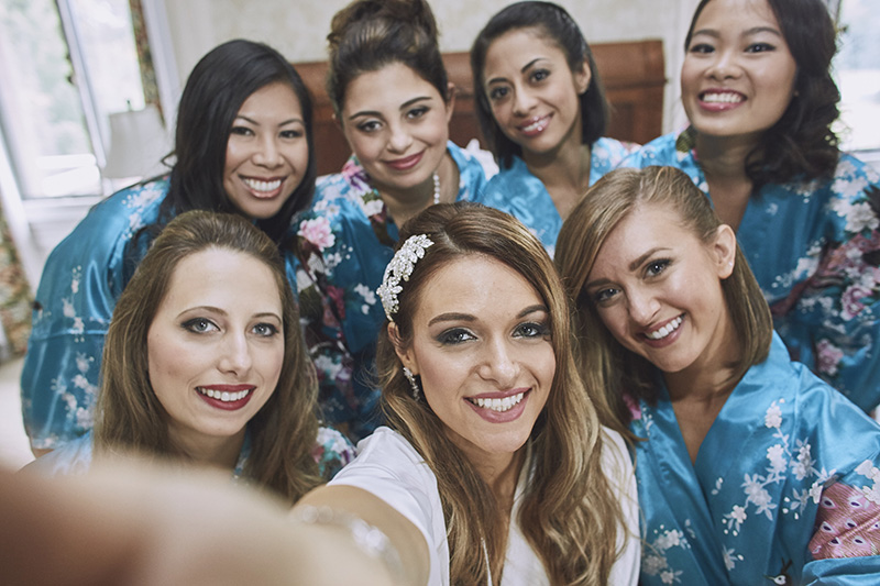 bridesmaids selfies