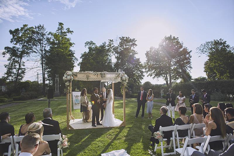 Village Club of Sands Point outdoor wedding ceremony