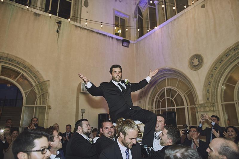 groom chair dance
