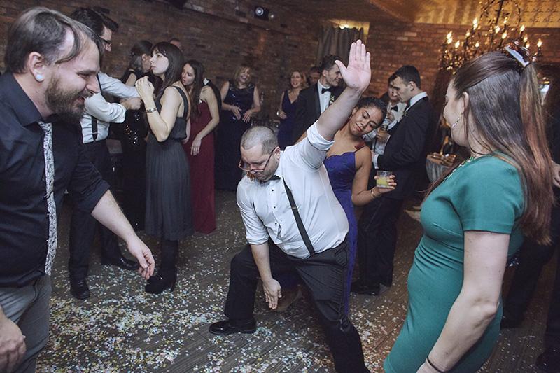 funny wedding reception photos