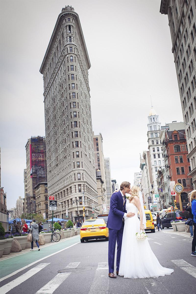 flatiron building wedding picture
