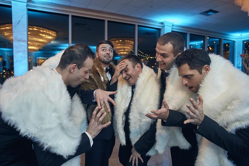 funny groomsmen wedding photos