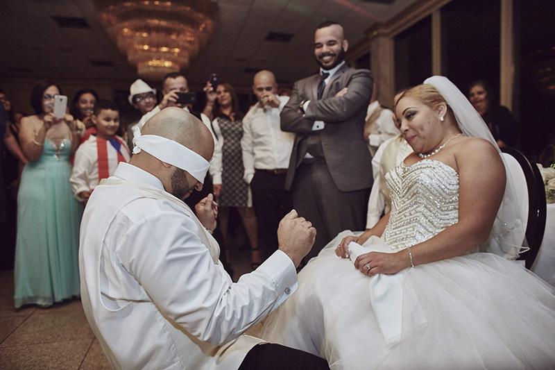 wedding garter ceremony