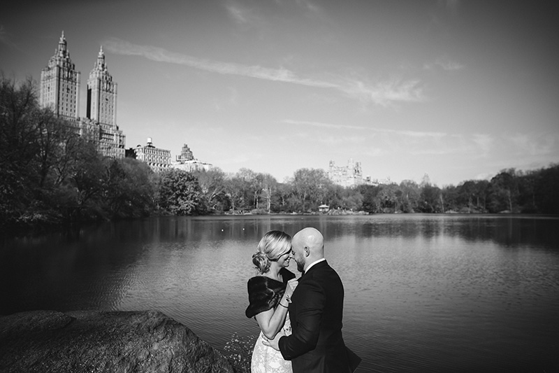 get married near Central park lake