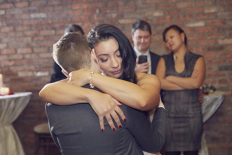bride first dance