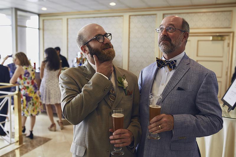 funny wedding reception photography