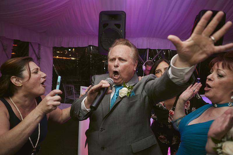guests singing