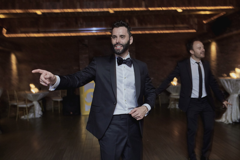 groom dancing,wedding