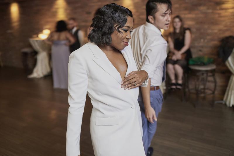 bride dancing,wedding