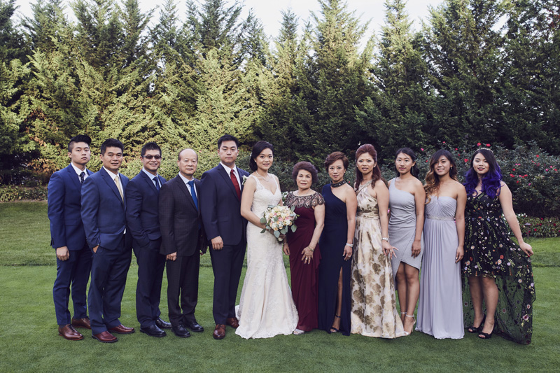 wedding couple with bride maids and groomsman's
