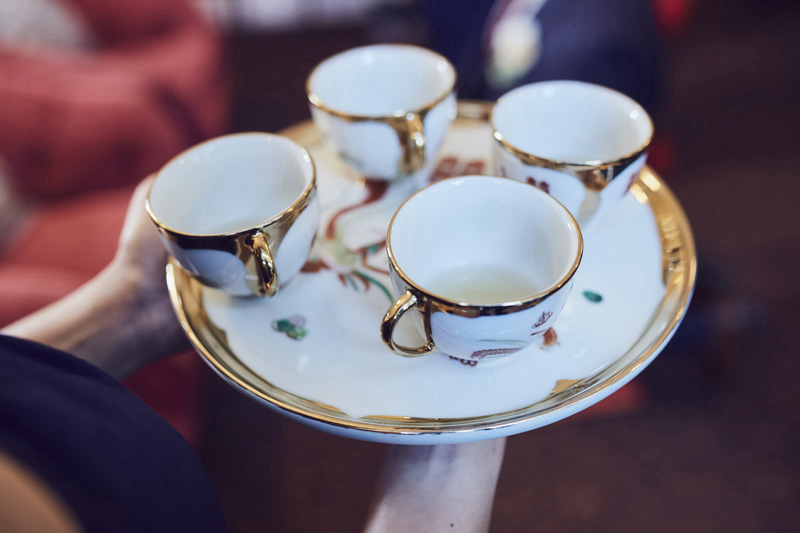 wedding ceremony tea cups