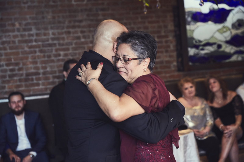 Groom dance with his mother