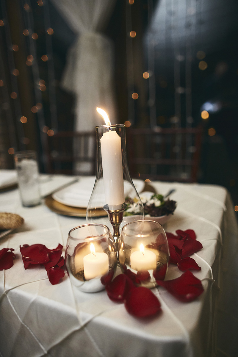 Brides and grooms table arrangement