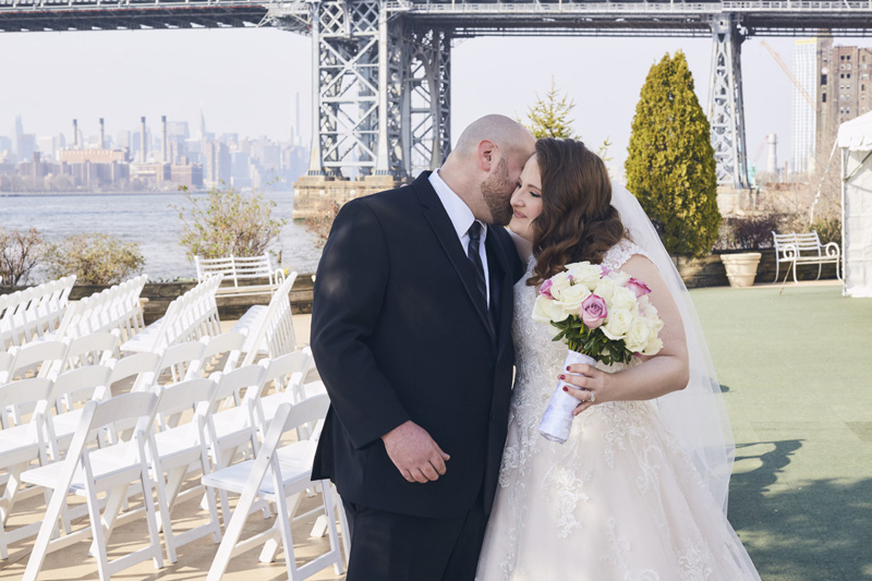grooms and brides first look kiss