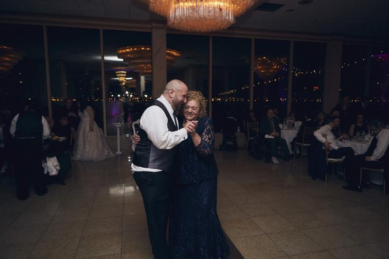 groom dance