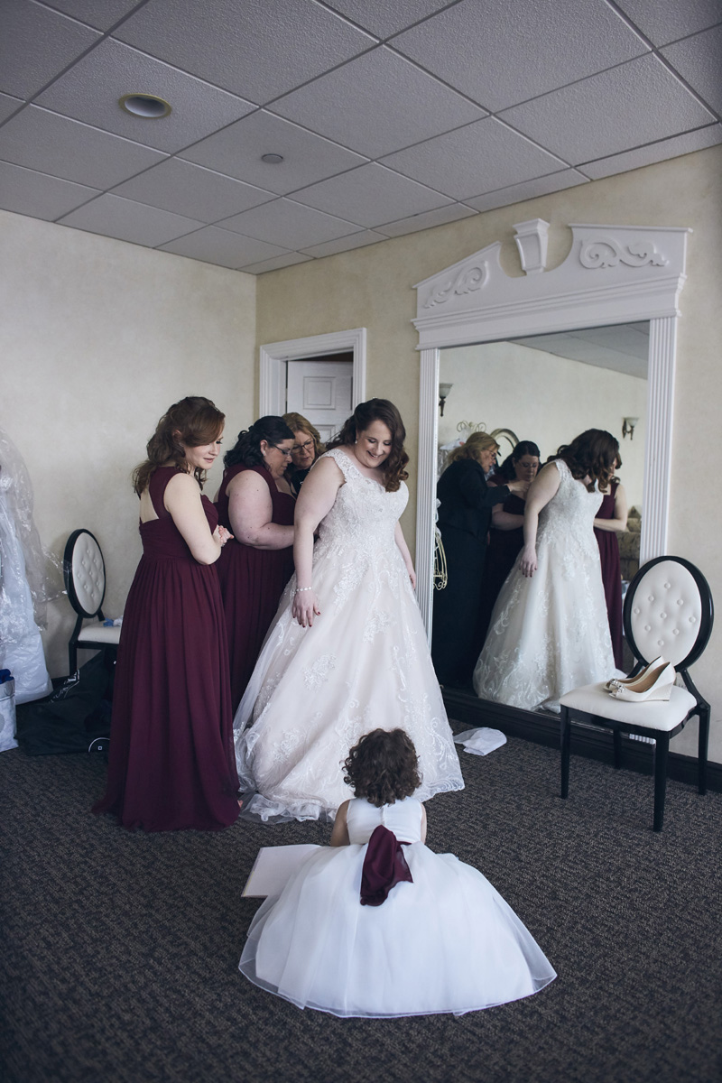 bride preparing for the wedding ceremony