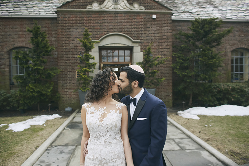 Brides and grooms kiss